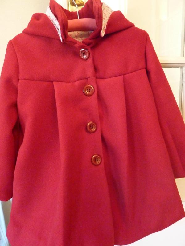 Célestine… (ou le manteau du petit chaperon rouge…)